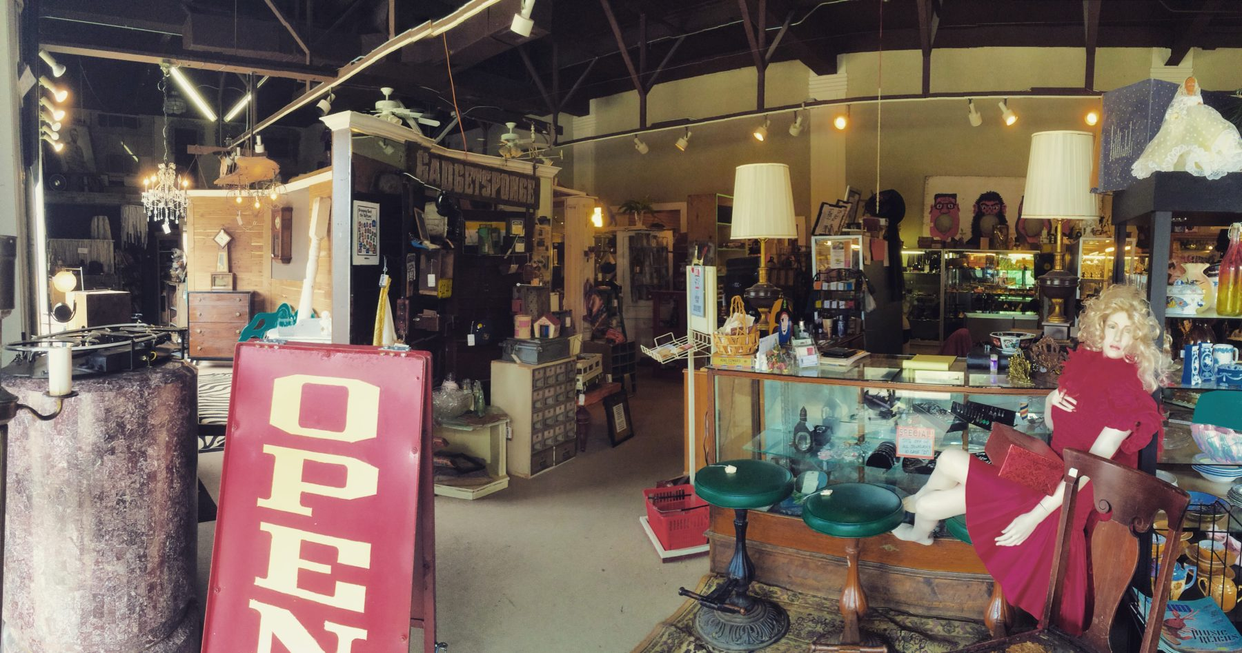 Timeline Antiques and Collectibles